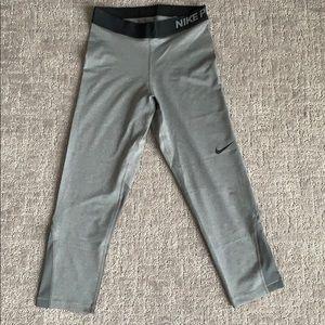 3/4 Nike leggings